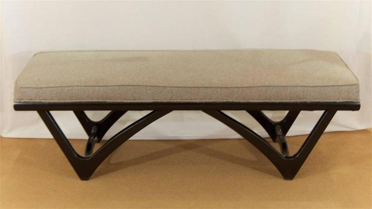 Long Upholstered Bench With Black Lacquer Base Flessas